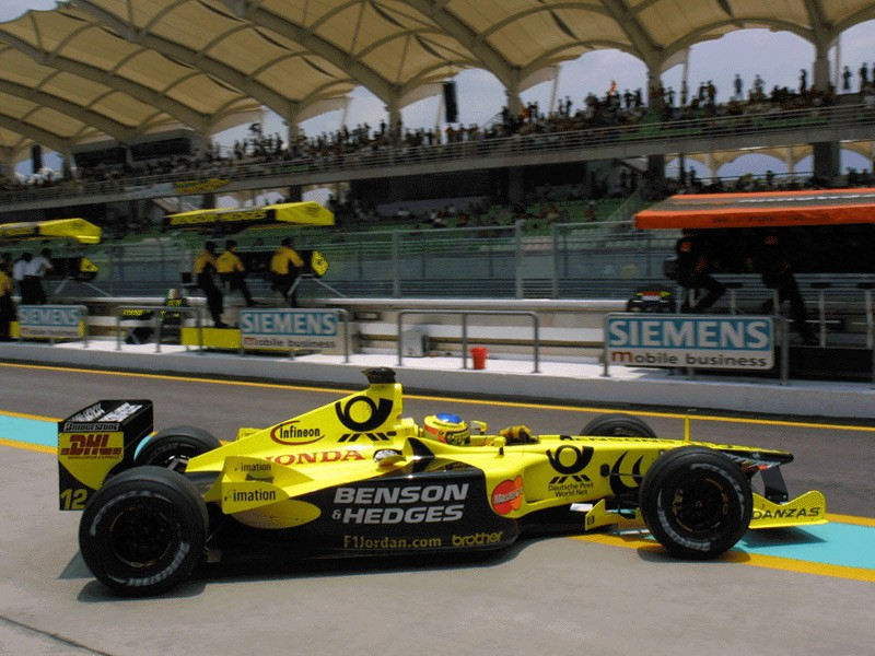 Jarno Trulli racing for Jordan Grand Prix in 2000